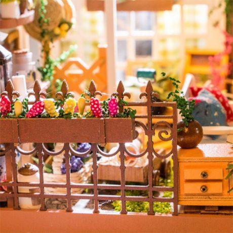 Millers Garden Wooden DIY House – accessories b