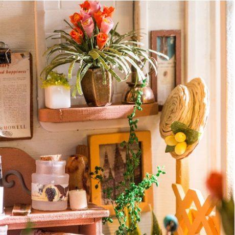 Millers Garden Wooden DIY House – accessories d